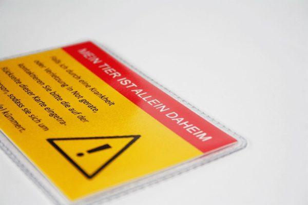 Allein-Daheim Notfall-Kontaktkarte mit Schutzhülle b